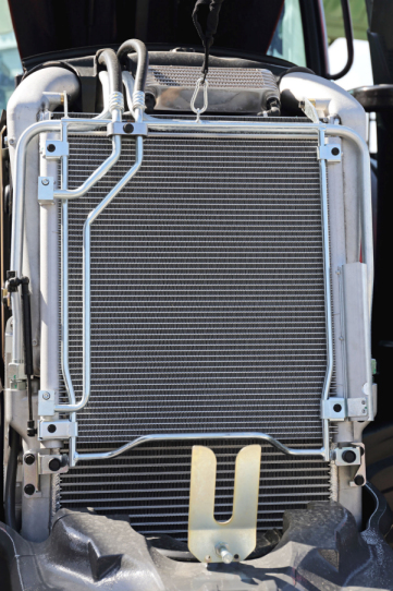 Agricultural machinery radiator cooling